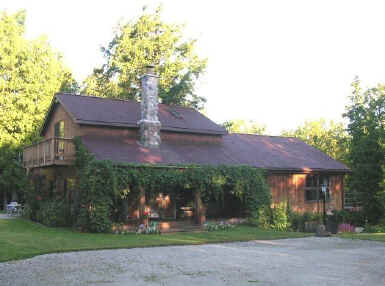 Upper michigan vacation lakefront cottage for rent near for Up north cottages